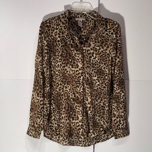 H & M leopard print 💯 polyester blouse soft